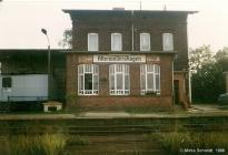 Altenwillershagen - Empfansgebäude im Jahr 1998