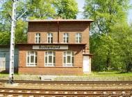 Bahnhofsgebäude Buchenhorst im Juni 2004